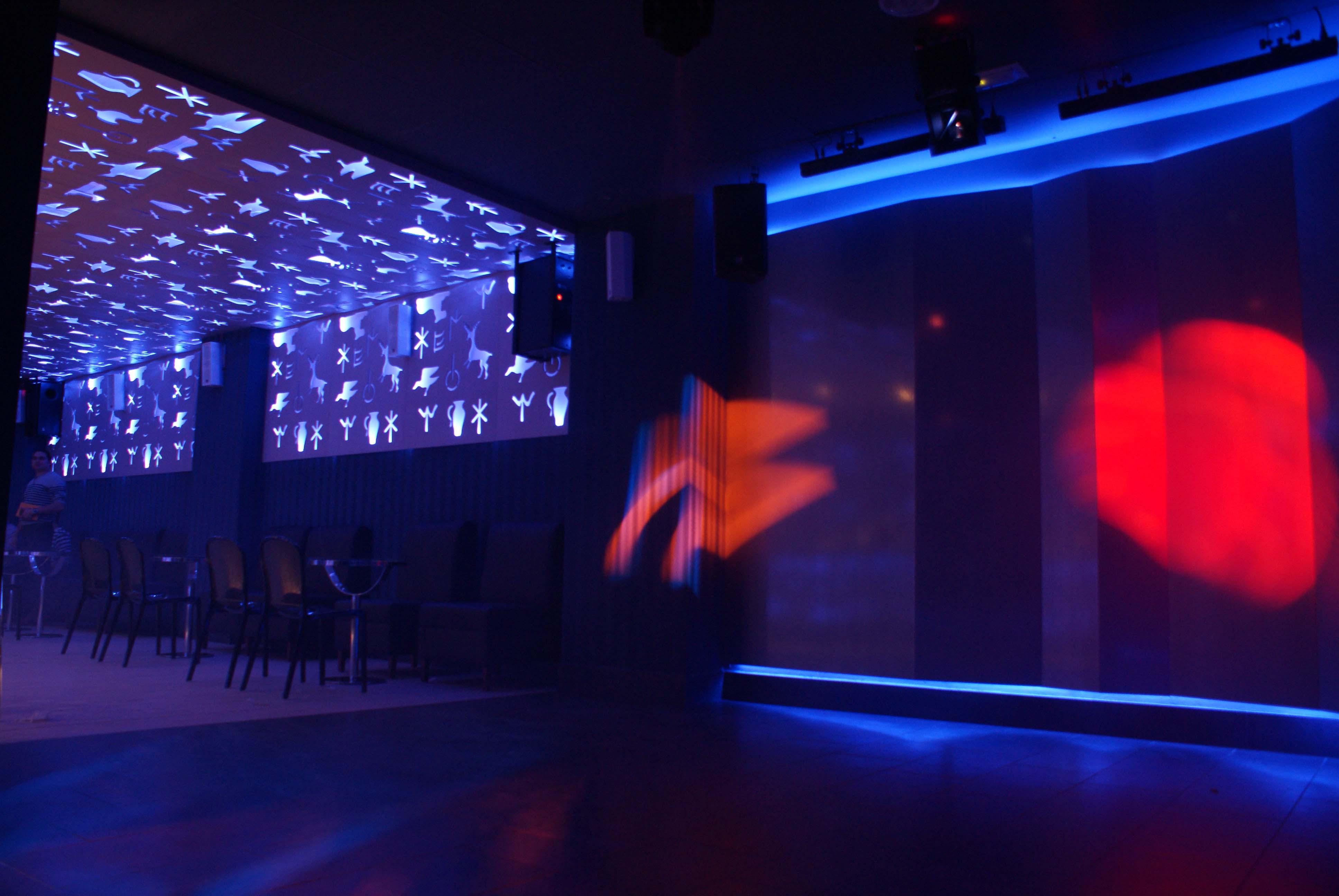 """Apertura disco pub """"La Lobera"""" diseño y realización de Interiorismo Trinidad"""